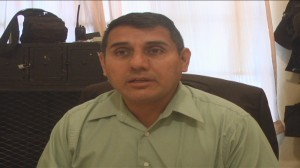 Gabriel Castañeda Gloria, comandante de la policía estatal investigadora dijo que hasta el momento no se ha podido comprobar que José Antonio Mena Rodríguez haya recibido dos rozones por arma de fuego.
